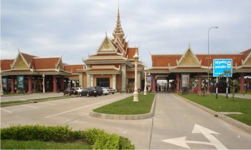 cua khau bavet - cambodia - tieu ngach van chuyen